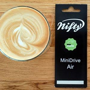 Das Nifty Minidrive: Erfolgreich bei Kickstarter – Ausgepackt und getestet bei uns im Video