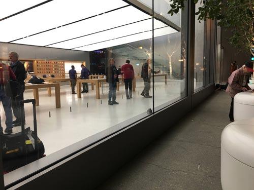 Apple Store Vorbereitun