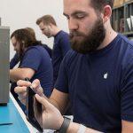 Apple Reparatur Mitarbeiter