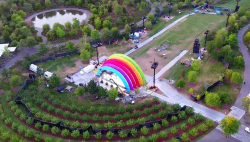 Regenbogenbuehne
