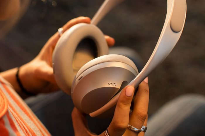 Bose Noise Cancelling 700 Silber