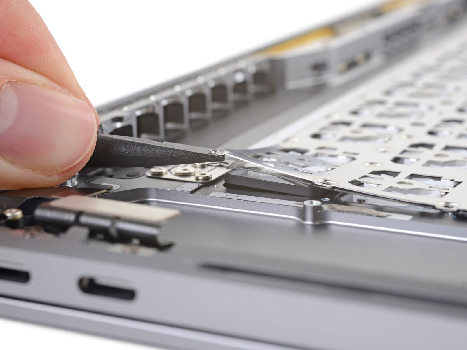 Macbook Pro 16 Tastatur Weiterhin Fest Vernietet Ifun De